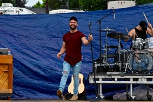 Dylan Scott performs at The Country Fest, 2017