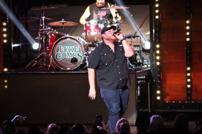 Luke Combs at Blossom Music Center on the 'High Noon Neon Tour', 2018